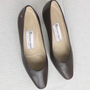 ETIENNE AIGNER brown heels size 6